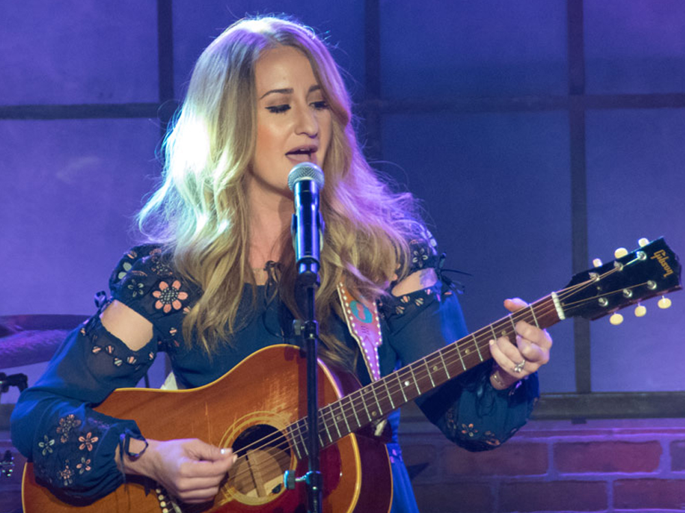 "Margo Price Adds 14 Dates to Her ""Nowhere Fast Tour"""